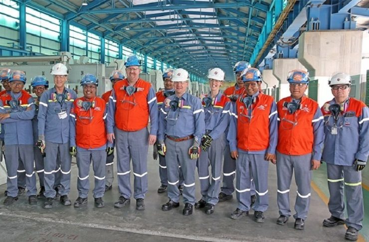 CEO of Bechtel Corp visits Alba Line 6 Expansion Project site